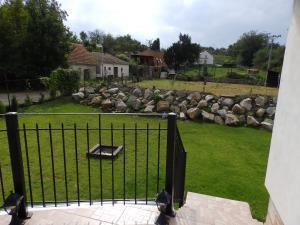 U Vinařského náměstíčka - pohled na zahradu z terasy