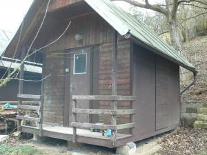 Chata na Kocábě - táborové chatky pro čtyři lidi