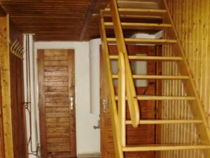 Horská chalupa U Kožešníků - Chodba a schody do podkroví