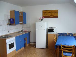 Chalupa pod strání - kuchyň s jídelnou