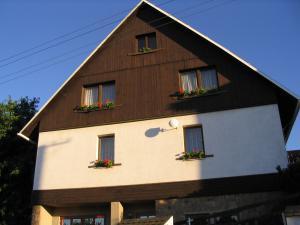Ubytování Holcovi - Severní strana  - pohled z ulice