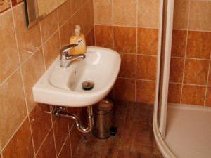 Pensin Vinařství Balážovi - koupelna pokoje bordo