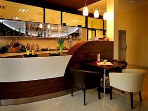 MELROSE Apartments - Lobby bar