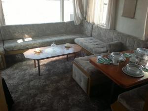 Mobilheim dlouhý - obývací pokoj