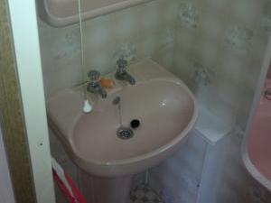 Mobilheim dlouhý - koupelna