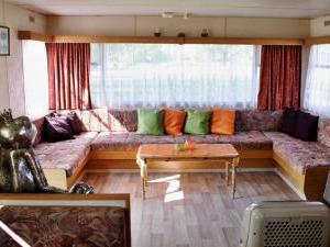 Mobilheim široký - obývací pokoj