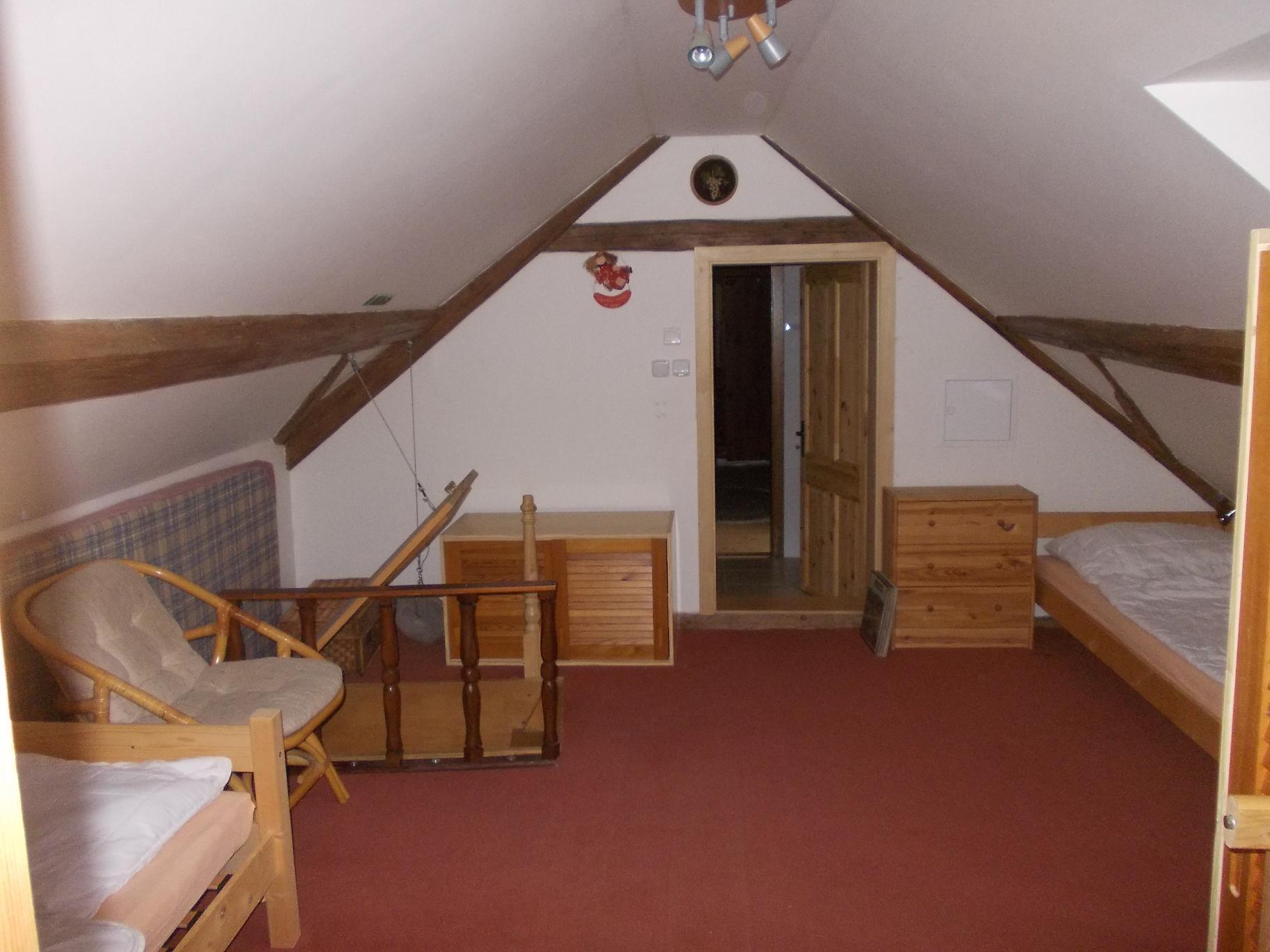 průchozí pokoj podkroví