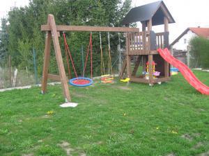 UBYTOVÁNÍ NA VYHLÍDCE - Ubytování Na Vyhlídce - dětské hřiště