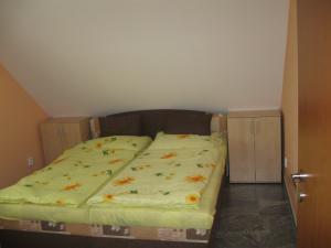 UBYTOVÁNÍ NA VYHLÍDCE - Ubytování Na Vyhlídce - ložnice apartmánu (2)