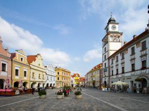Hotel Bílý koníček - Náměstí v Třeboni a Hotel bílý koníček
