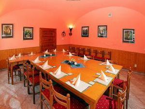 Penzion u Chodského hradu **** - Restaurace Chodský hrad - salónek 2