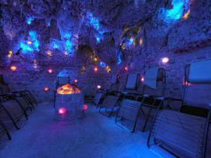 Vila Jiřinka - Ubytování hotel wellness penzion Luhačovice - solná jeskyně v Lázeňském welns hotelu Vila Jiřink