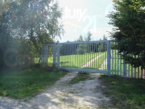 Ranch Veselíčko - Elektrická brána - součást celého oplocení objektu