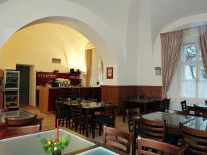Zámek Křtiny - Zámek Křtiny - zámecká restaurace