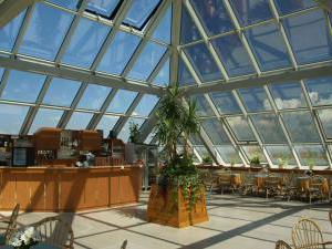 Lázeňský hotel Pyramida I - Bar v hotelu Pyramida ve Františkových Lázních
