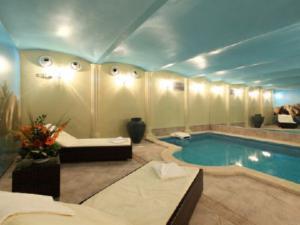 Hotel Villa Milada - Privátní hotelový bazén
