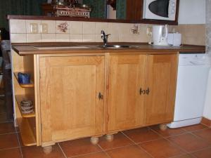 Chalupa Dana - Kuchyňská linka se sklokeramickou varnou deskou a