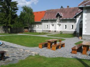 Na Volárně - Na Volárně, Roudno, Slezská Harta; venkovní poseze