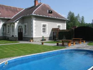 Na Volárně - Na Volárně, Slezská Harta, bazén