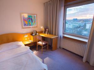 Hotel Bobycentrum - Výhled z okna pokoje
