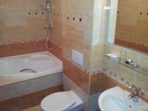 ANTIK HOTEL SOFIA  - Koupelnaa - apartmá