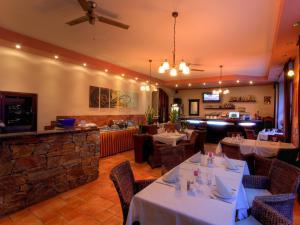 Hotel ARTE - Recepce a snídaně