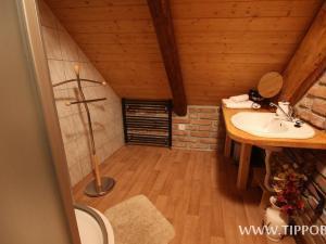 Chalupa Budín - Chalupa Budín Rybníky, koupelna v podkroví