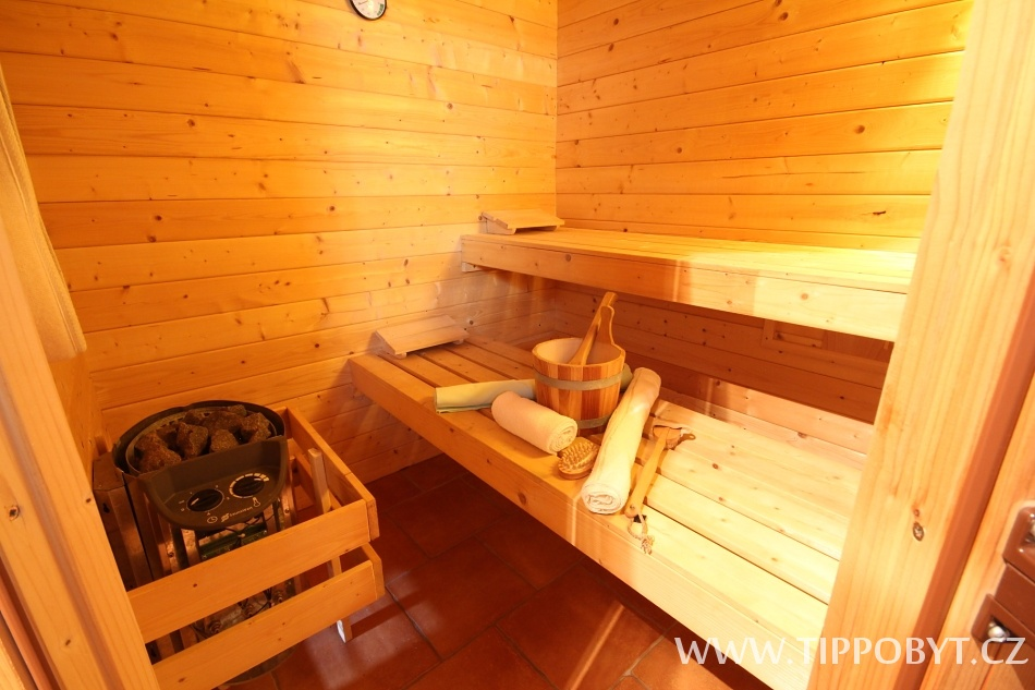 Chalupa Budín Rybníky, Tomáš Dušek, sauna v přízem