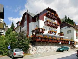 Pension Restaurant Alba  -
