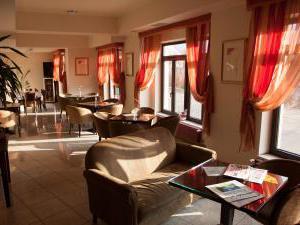 Hotel Theresia - Hotel Theresia, lobby bar