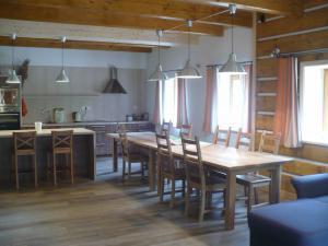 Chalupa Jůlinčino údolí - Kuchyně, pohled z obývací části