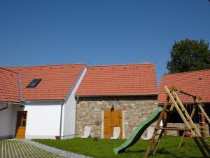 Bizoní farma Smrhov - Ubytování na Bizoní farmě Smrhov v jižních Čechách