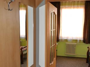Hotel Hvězda spol. s r.o. - vstup do pokoje