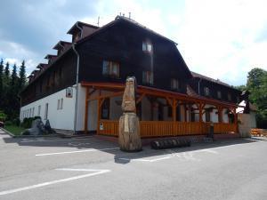 Balónový hotel a pivovar Radešín