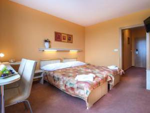 Hotel Akademie Naháč -