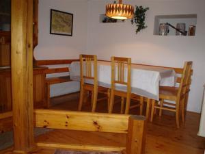 Ubytování v Českém ráji - jídelna - společenská místnost