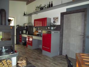 Apartmány POD LESEM- bezbariérový apartmán A - Apartmány POD LESEM- apart. A, kuchyně