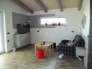 Apartmány POD LESEM- bezbariérový apartmán A - Apartmány POD LESEM- apart. A, obývací pokoj