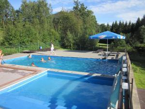 Hotel U PŘEHRADY Rezort - Bazén pro děti a dospělé v sezonu vyhříván