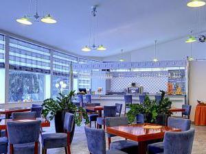 Radium Palace Spa Hotel - Kavárna Zimní zahrada