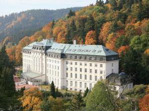 Radium Palace Spa Hotel - Radium Palace - exteriér