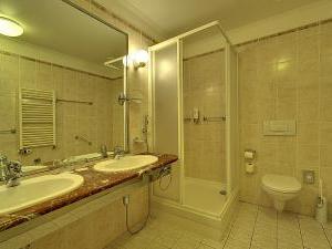 Radium Palace Spa Hotel - Koupelna