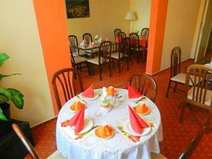 Hotel Tábor - Snídaňová místnost