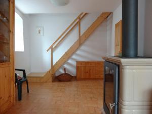 Chalupa U Bendů - schodiště do podkroví